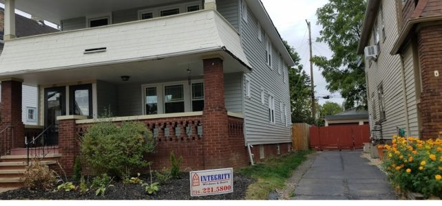Lakewood Siding Contractors: Before & After of Vinyl Siding & Replacement Window Job
